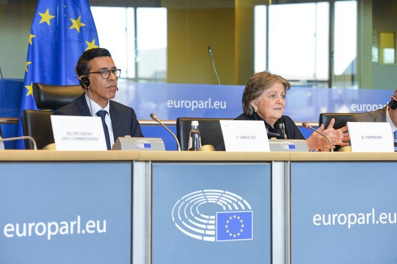 Younous Omarjee, député européen de la circonscription outre-mer et Président de la commission REGI du Parlement européen (à gauche) et Elisa Ferreira, commissaire européenne chargée de la Politique de cohésion