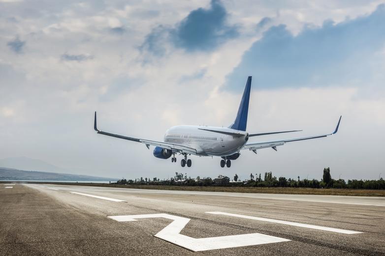 De nombreux droits vous protègent lors de vos déplacements en avion dans l'Union européenne - Crédits : guvendemir / iStock