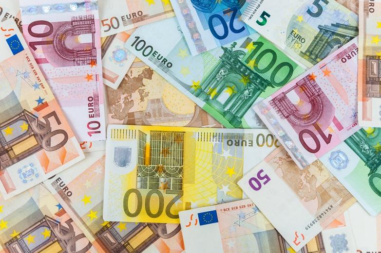 Des billets d'euros - Crédits : mkos83 / iStock