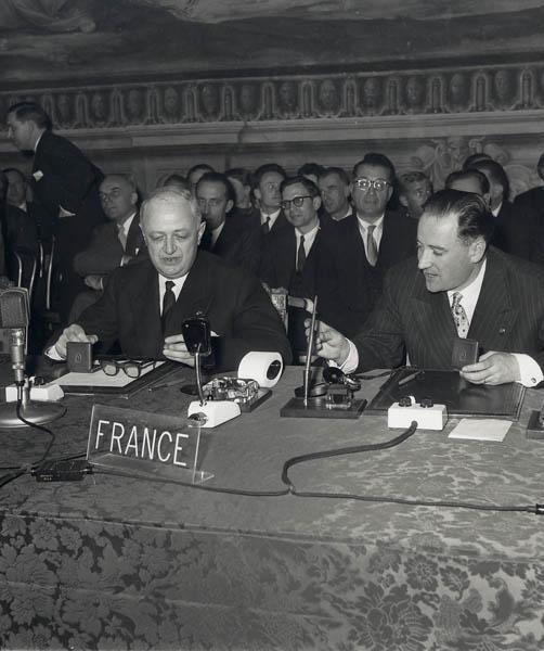 Christian Pineau et Maurice Faure, 25 mars 1957