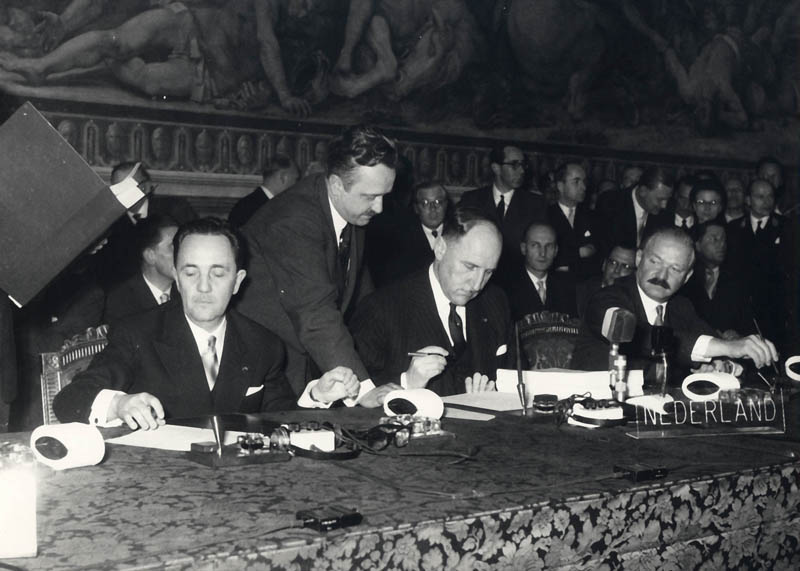 Johannes Linthorst-Homan et Joseph Luns, 25 mars 1957