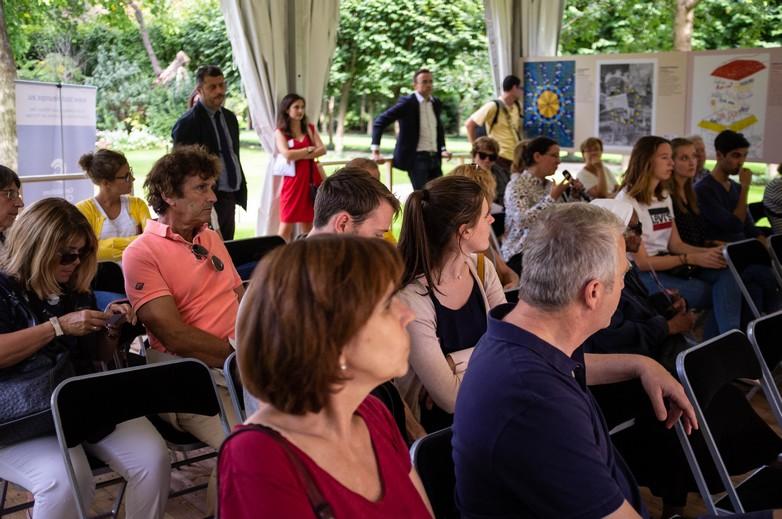Les visiteurs de Matignon ont pu participer à un débat sur l'Union européenne lors des Journées européenne du patrimoine - Crédits : Marie Guitton.