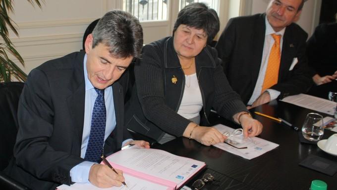 Signature BEI et Adie (c) Adie