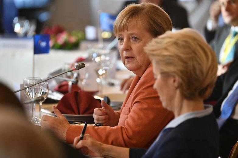 Devant le Parlement allemand mercredi, la chancelière Angela Merkel (ici en 2019) a laissé entendre qu'une réforme des traités européens était possible. Le pays prendra la présidence du Conseil de l'UE en juillet, pour une période de six mois - Crédits : David Plas Photography / Flickr European People's Party CC BY 2.0