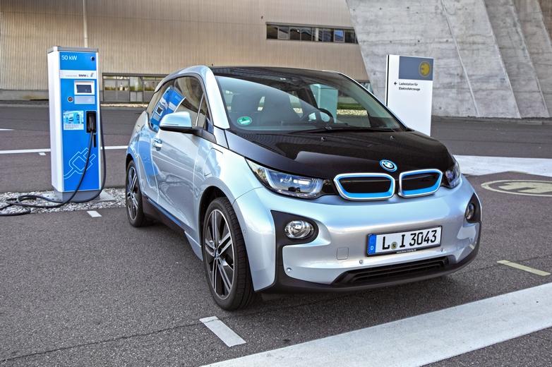 La marque automobile allemande BMW fait partie des dix-sept entreprises membres de