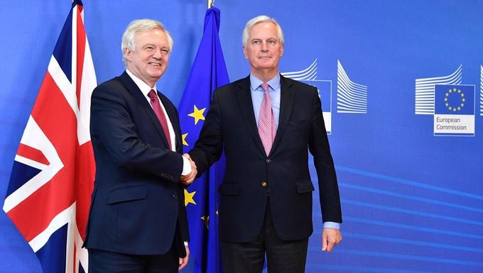 Michel Barnier et David Davis