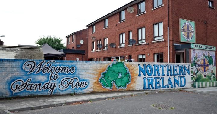 Vue de Sandy Row, une rue de Belfast, capitale de l'Irlande du Nord
