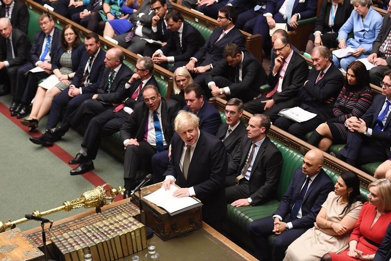 Moins d'un mois après sa victoire aux élections générales, Boris Johnson a défendu son accord de retrait de l'UE devant les députés britanniques, qui l'ont largement approuvé - Crédits : Jessica Taylor / Flickr UK Parliament CC BY-NC 2.0