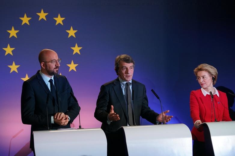 Le président du Conseil européen Charles Michel, le président du Parlement européen David Sassoli et la présidente de la Commission européenne Ursula von der Leyen ont exprimé vendredi 31 janvier leurs regrets de voir le Royaume-Uni quitter l'Union européenne - Crédits : Parlement européen / Flickr CC BY 2.0