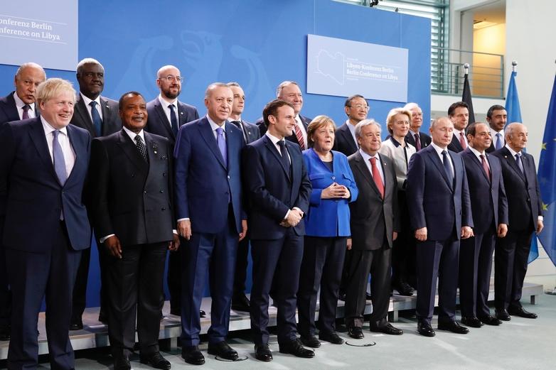 Les représentants de douze Etats et quatre organisations internationales sont parvenus à un accord sur le conflit libyen, dimanche 19 janvier à Berlin - Crédits : Dario Pignatelli / Conseil de l'Union européenne