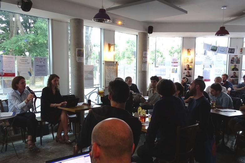 Consultation citoyenne au bar commun
