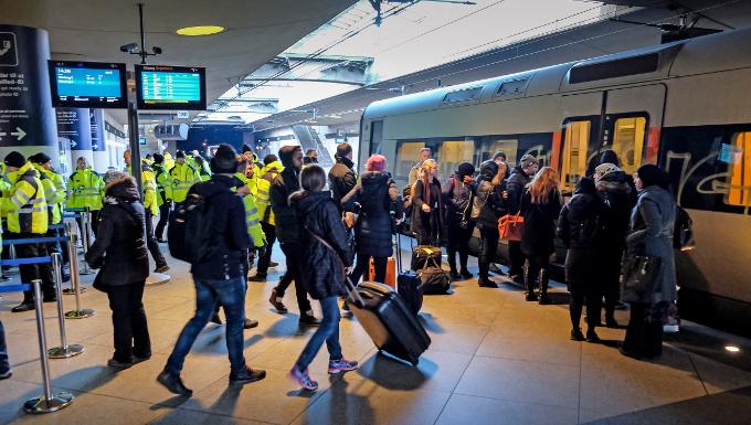 Contrôle d'identité à l'entrée d'un train danois