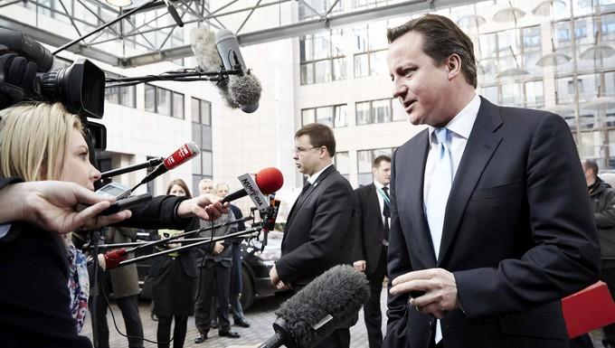 David Cameron s'exprimant face aux médias