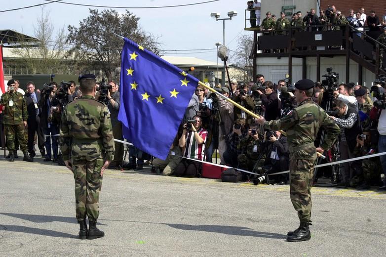 Forces armées arborant le drapeau européen