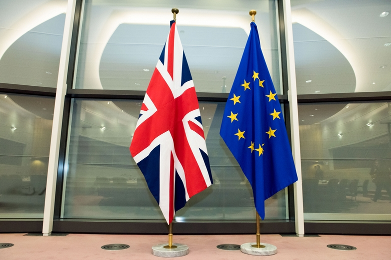 Les drapeaux britannique et européen - Crédits : Basia Pawlik / Commission européenne