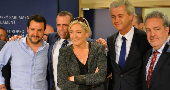 De gauche à droite : Matteo Salvini, Harald Vilimsky, Marine Le Pen, Geert Wilders et Gerolf Annemans