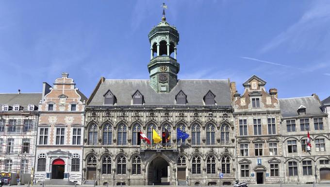 Hôtel de ville de Mons (c) Istock