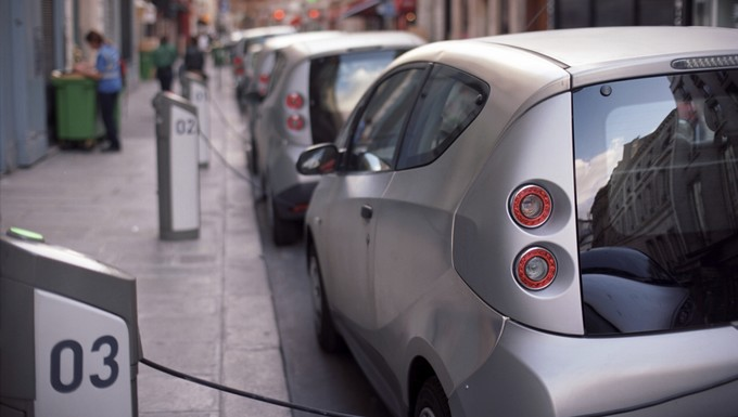 France bleu voiture électrique (c) Istock
