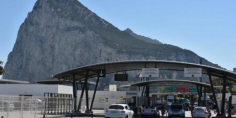 Poste de contrôle, situé sur l'unique frontière de Gibraltar - Crédits : Antoine 49 / Flickr CC BY-NC-ND 2.0