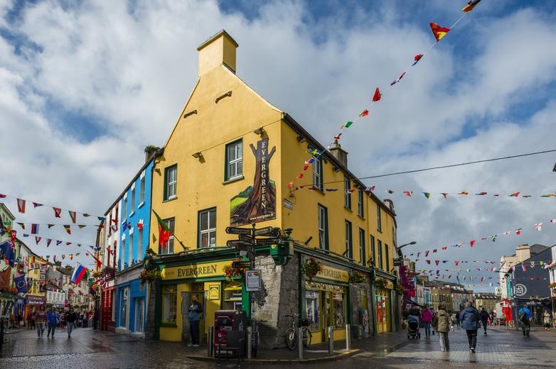 La ville de Galway est réputée comme la ville la plus festive d'Irlande - Crédits : no_limit_pictures / iStock