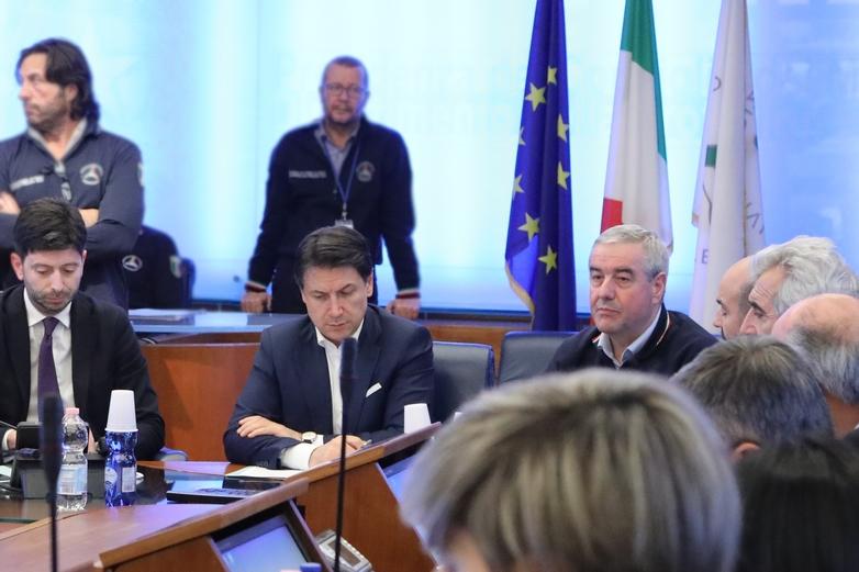 Le Président du Conseil italien, Giuseppe Conte, craint de voir son pays, gravement touché par l'épidémie de coronavirus, sombrer dans la récession. Il fait appel à l'aide de l'Union européenne pour limiter les effets négatifs de l'épidémie - Crédits : Dipartimento Protezion Civile / Flickr CC BY 2.0