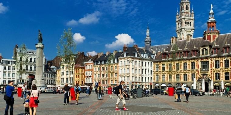 La place du Général-de-Gaulle, également appelée la Grand'Place, à Lille (Nord) - Crédits : Alphotographic / iStock
