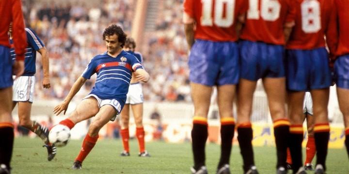 Michel Platini, contre l'Espagne, lors de la finale de l'Euro 1984