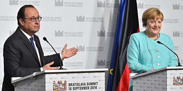 François Hollande et Angela Merkel en 2016 à Bratislava