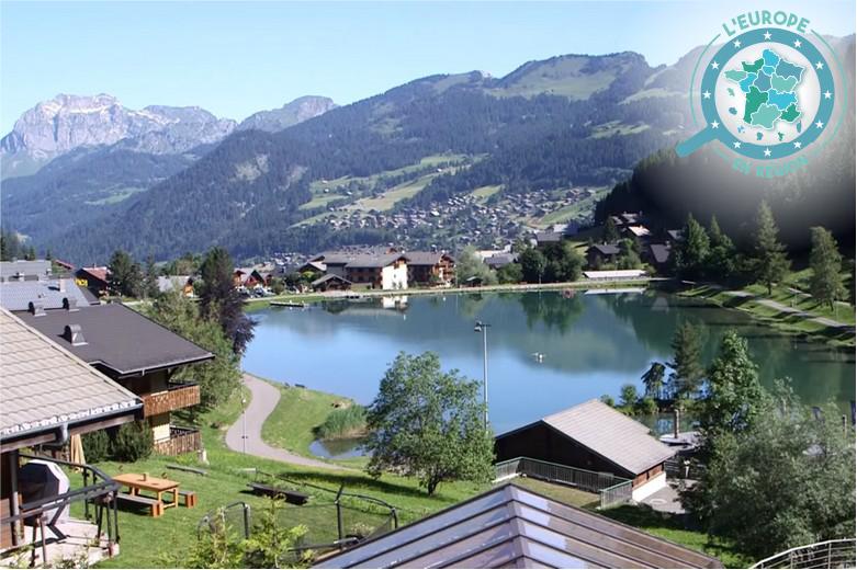 Situé à la frontière entre la France et la Suisse, le domaine des Portes du Soleil diversifie son activité touristique pour protéger et valoriser le patrimoine naturel de la région