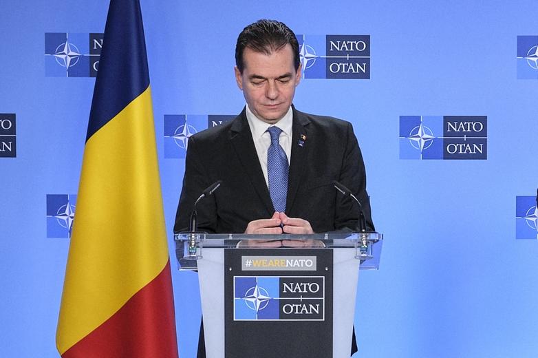 Malgré la chute de son gouvernement, le libéral Ludovic Orban devrait rester Premier ministre par intérim - Crédits : NATO North Atlantic Treaty Organization / Flickr CC BY-NC-ND 2.0