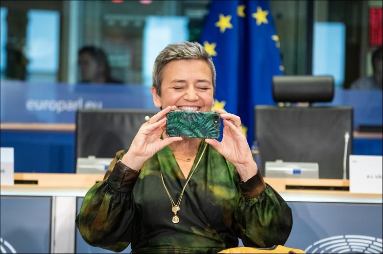 Vice-présidente exécutive au Numérique de la Commission européenne, Margrethe Vestager est à l'origine de la nouvelle stratégie en la matière - Crédits : Pietro Naj-Oleari / Flickr European Parliament CC BY 2.0