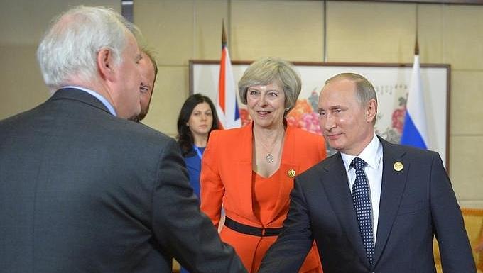 Theresa May et Vladimir Poutine au G20