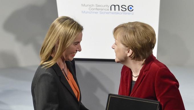 Federica Mogherini et Angela Merkel à la conférence de Munich sur la sécurité