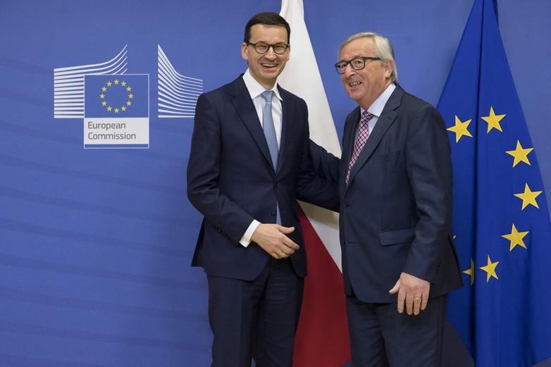 Le Premier ministre polonais Mateusz Morawiecki et le Président de la Commission européenne Jean-Claude Juncker le 9 janvier