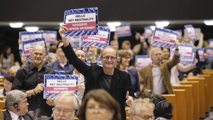 Neutralité Internet et fin des frais d'itinérance - Session plénière du PE 3 avril 2014