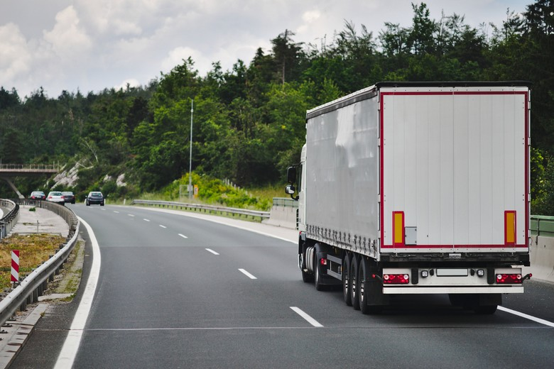Ces règles ont pour objectif de garantir une concurrence plus équitable dans le domaine du transport routier à l'échelle de l'UE - Crédits : iStock