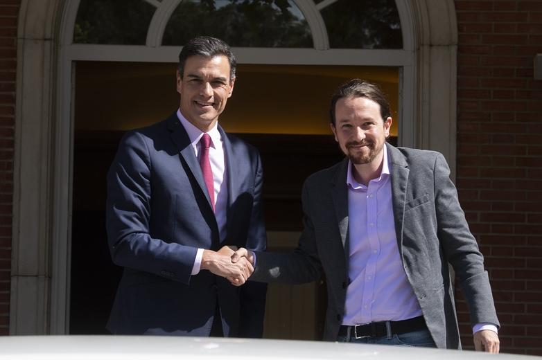 Autrefois adversaires, Pedro Sánchez (à gauche sur la photo) et Pablo Iglesias (à droite) sont parvenus cette fois-ci à mettre leurs différends de côté - Crédits : Borja Puig de la Bellacasa / La Moncloa - Gobierno de España Flickr CC BY-NC-ND 2.0