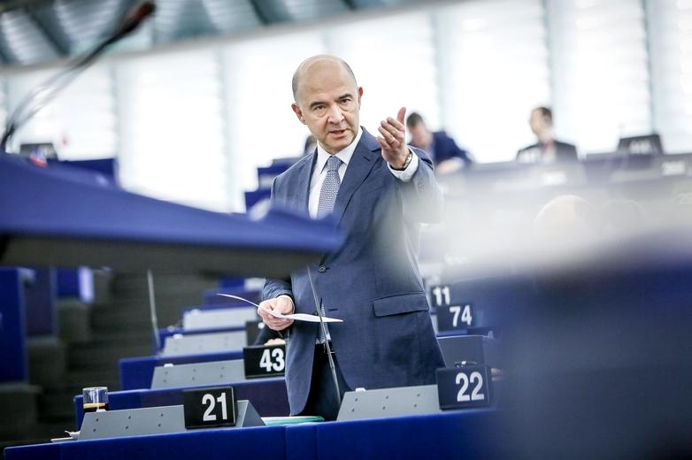 Le commissaire à l'Economie Pierre Moscovici, qui devrait céder sa place à l'Italien Paolo Gentiloni le 1er décembre - Crédits : Mathieu Cugnot / Flickr European Parliament CC BY-NC-ND 2.0
