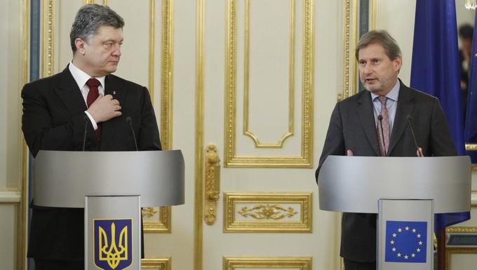 Petro Porochenko et Johannes Hahn