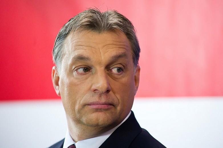 Comment Viktor Orbán a-t-il évolué du jeune libéral de centre droit qu'il était au tournant des années 1990 à la figure de proue de la droite radicale européenne qu'il est devenu ? - Crédits : Dániel Végel / Európai Bizottság