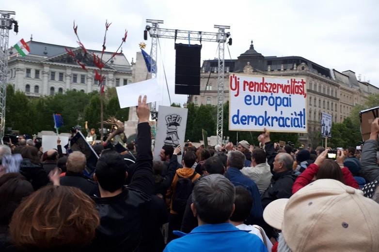 En avril 2017, des manifestations avaient déjà rassemblé des milliers de personnes - Crédits : Syp / Wikimediacommons