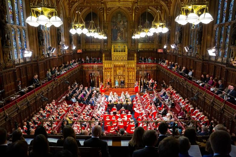 Le 19 décembre, la Reine Elizabeth II a réuni les parlementaires dans la Chambre des Lords, pour leur présenter le programme gouvernemental de Boris Johnson - Crédits : Roger Harris / Flickr UK Parliament CC BY-NC 2.0