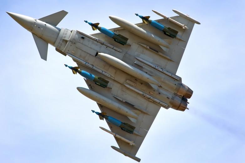 L'Eurofighter Typhoon, fruit de la coopération entre le Royaume-Uni, l'Allemagne, l'Italie et l'Espagne