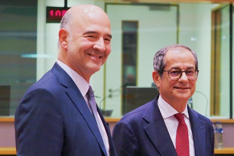 Pierre Moscovici et Giovanni Tria lors d'une réunion de l'Eurogroupe à Bruxelles, le 5 novembre