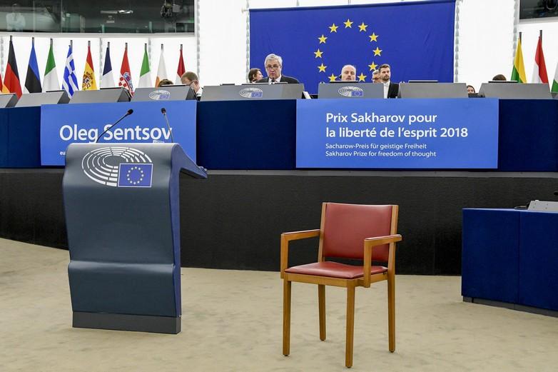 La symbolique chaise vide de Oleg Sentsov, lors de la remise du Prix Sakharov