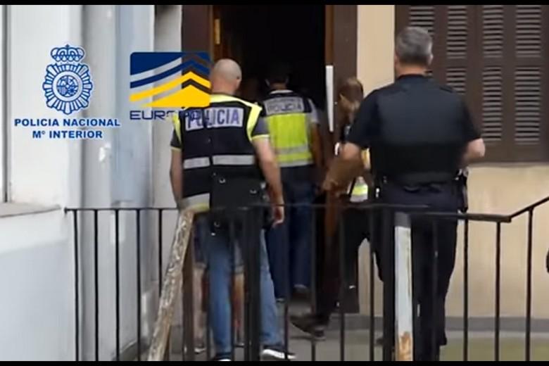 Images de l'opération de la police espagnole avec Europol