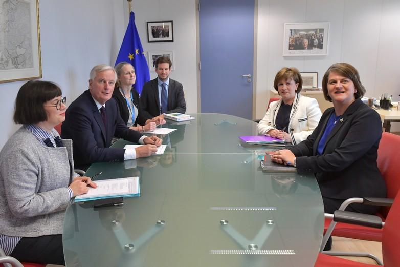 Michel Barnier et Arlene Foster, leader du Parti unioniste démocrate nord-irlandais (DUP) à Bruxelles, le 9 octobre 2018