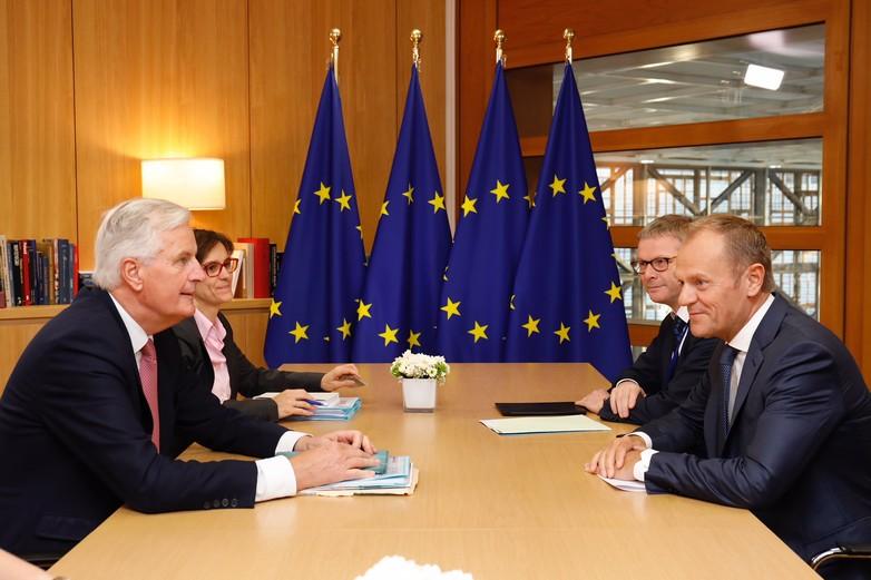 Michel Barnier et Donald Tusk à Bruxelles le 16 octobre 2018