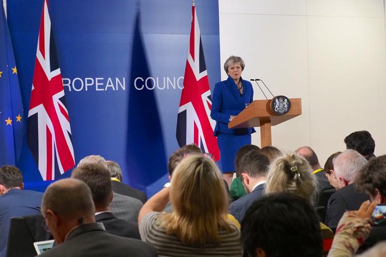 Theresay May lors du sommet extraordinaire pour la signature de l'accord du Brexit, dimanche 25 novembre