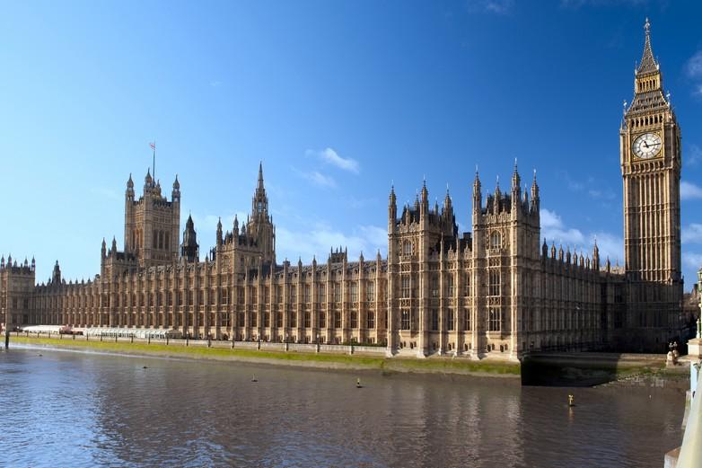 La Chambre des communes doit voter l'accord sur le Brexit le 11 décembre